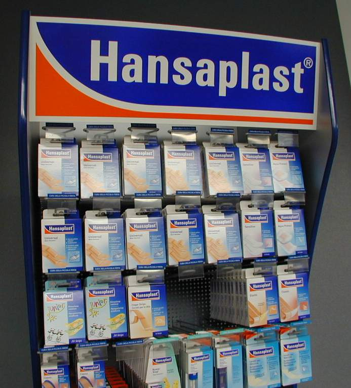 Hansaplast – espositore indipendente su ruote